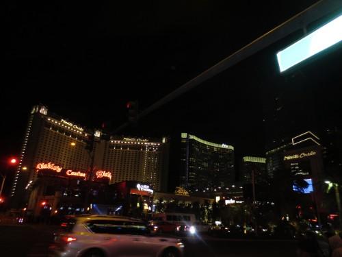 La vida nocturna nunca muere en el Strip de las Vegas. Fotos: Fernando Pagaza/Latinocalifornia.com