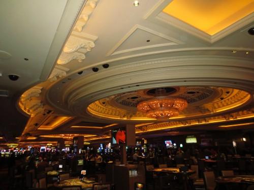 Uno de los casinos de moda, donde las apuestas fluyen tanto de día como de noche.