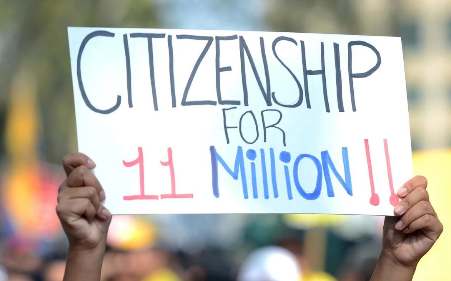 La lucha por la regularización migratoria de los indocumentados persiste, a pesar del gobierno de Donald Trump, que ha puesto en práctica su Fuerza de Deportación. Foto: Tomada de internet.