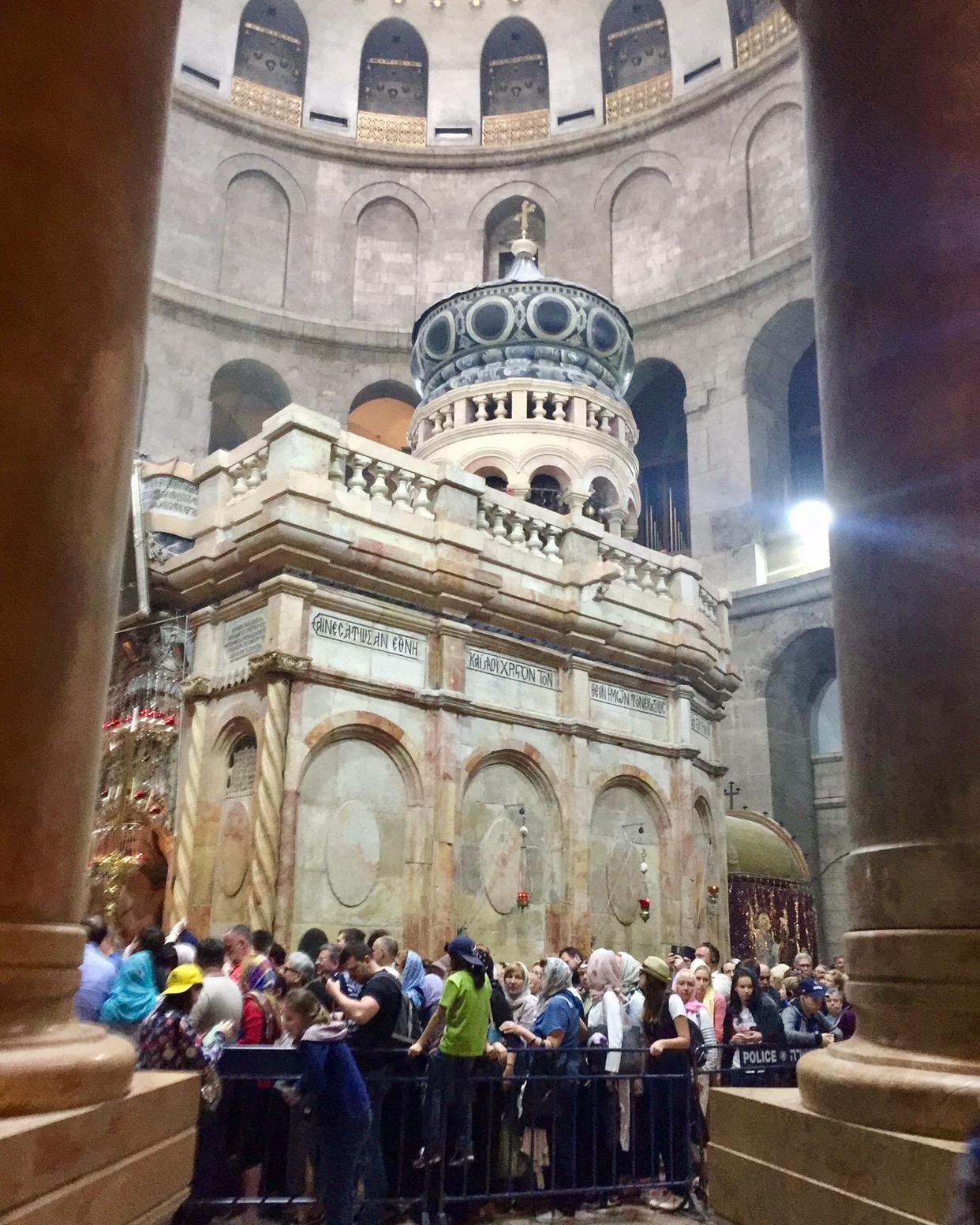 En el Santo Sepulcro, los