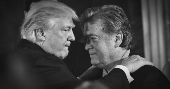 Trump y Bannon. Foto: PBS.