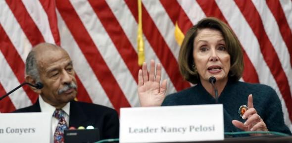 Nancy Pelosi trastabilló para condenar a John Conyers. Foto: Facebook.