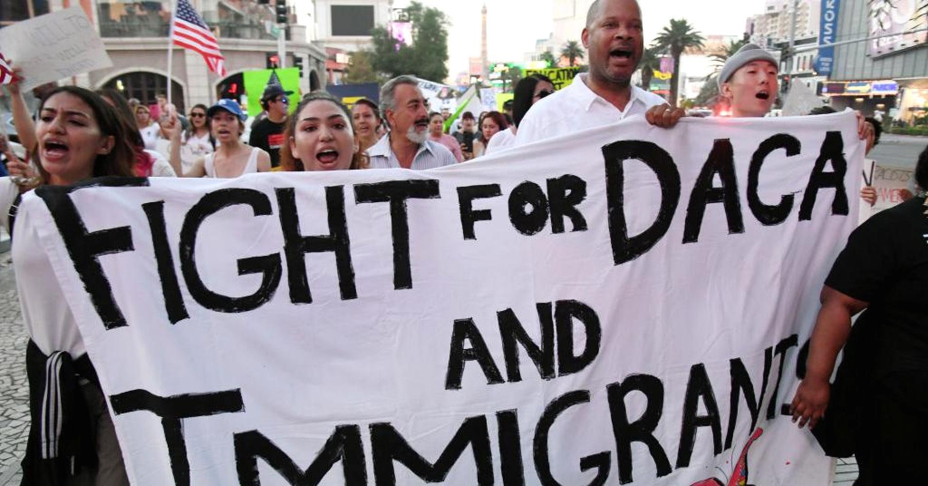 La lucha por los Dreamers toma un nuevo giro con la nueva propuesta de la Casa Blanca que exige una lista de sacrificios a cambio. Foto: Tomada de internet.