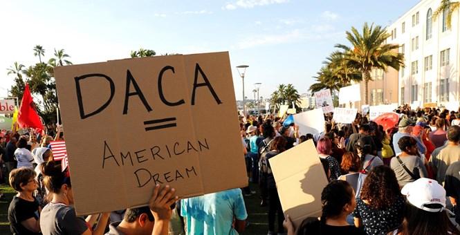 La defensa del programa DACA que ampara a unos 800,000 jóvenes se hace más urgente cada día. Foto: Tomada de internet.