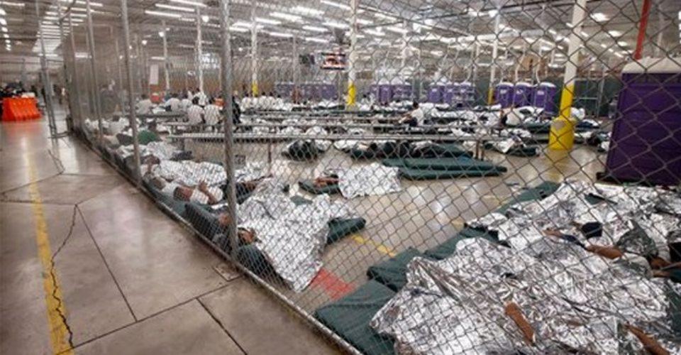 Dada la poca seguridad que se tiene hasta el momento de que el gobierno de Estados Unidos logre reunificar a la totalidad de las familias migrantes separadas en la frontera, se teme que cientos de niños queden huérfanos al no poder regresar con sus padres. Foto: Tomada de internet