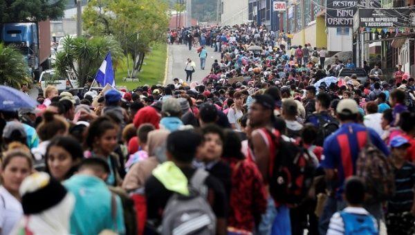 La columna de migrantes hondureños sigue su rumbo hacia la frontera México-Estados Unidos. Foto: Tomada de internet.
