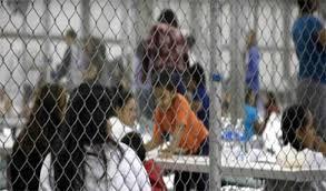 Lo menores migrantes detenidos tras cruzar la frontera están corriendo riesgos de salud en los centros a los que son destinados en Estados Unidos. Foto: Tomada de internet.