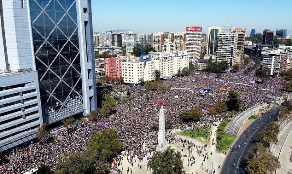 Plaza de la Dignidad, escenario de la marcha del 8 de marzo en Santiago de Chile. Foto tomada de Internet.