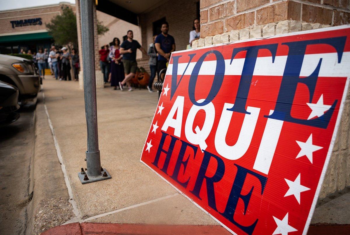 Durante el llamado supermartes, la participación de los electores latinos se hizo presente, lo mismo que el idioma español. Foto: Tomada de internet.
