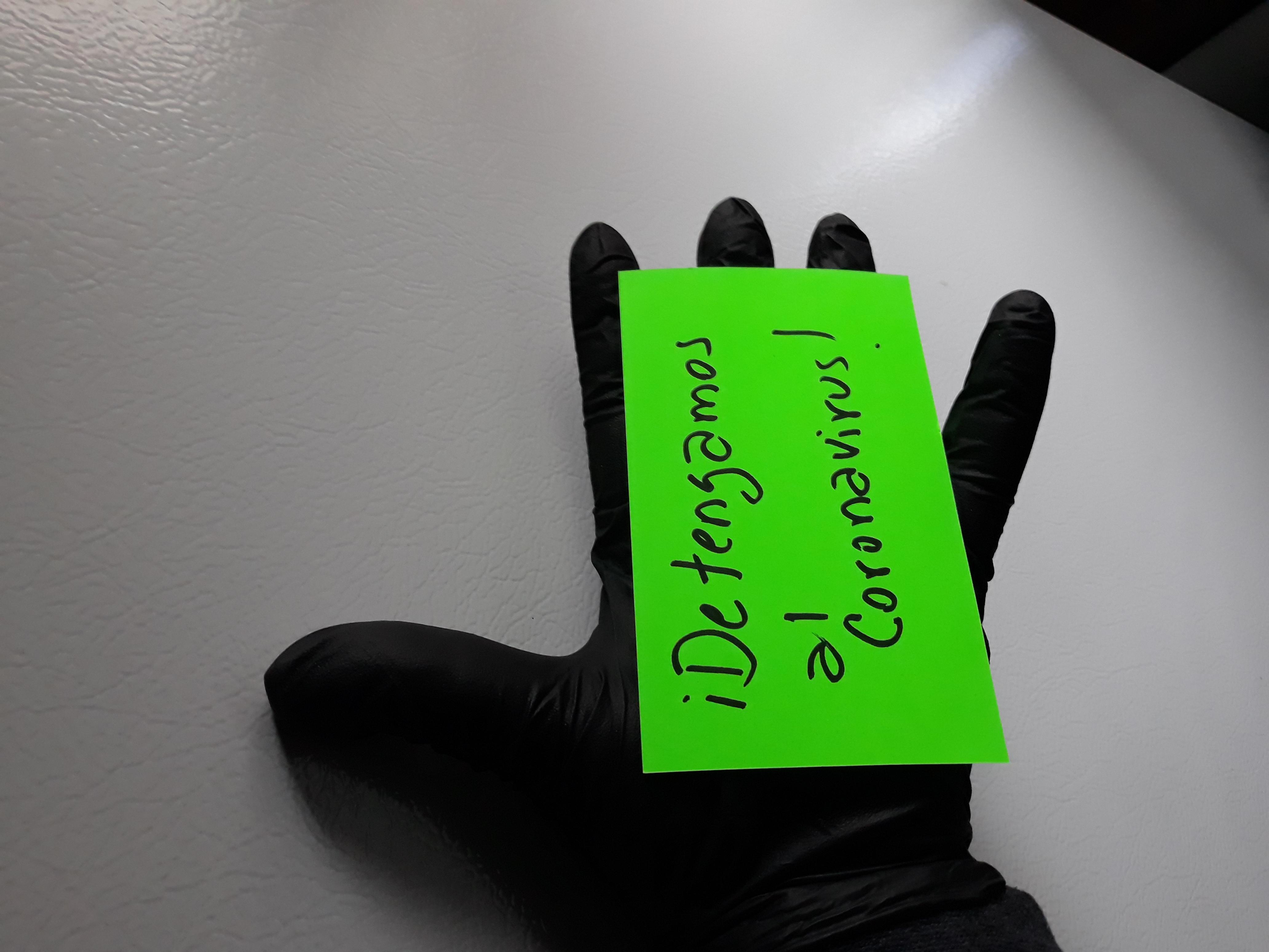 La solidaridad se ha vuelto una herramienta esencial para combatir el coronavirus. Foto: Latinocalifornia.