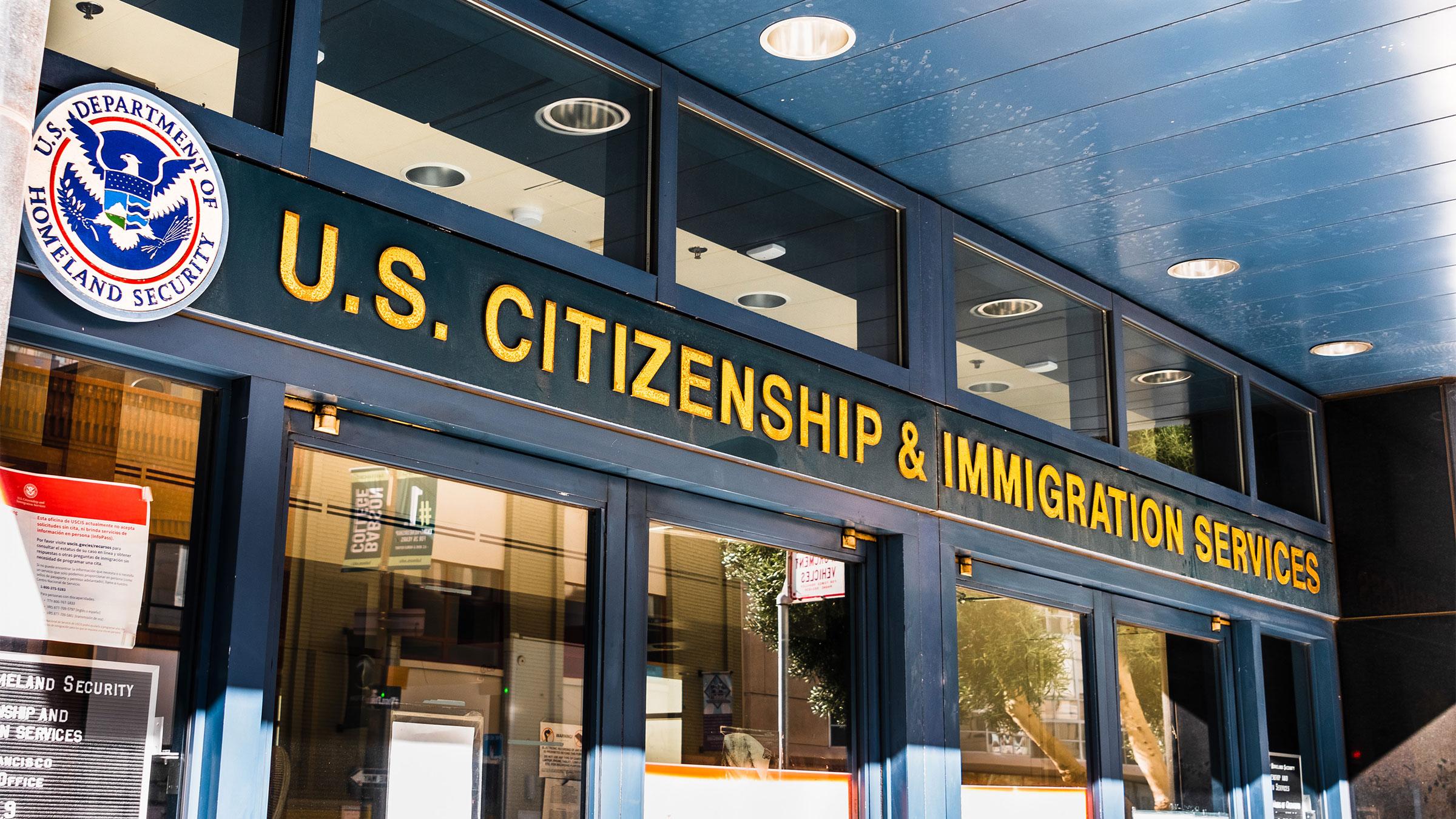 La decisión de suspender temporalmente la inmigración hacia Estados Unidos se ha tomado en medio de la pandemia de coronavirus que azota a todo el mundo. Foto: Tomada de internet.